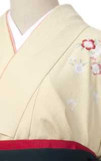 クリーム刺繍