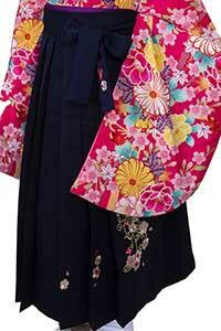 紫ぼかし刺しゅう袴